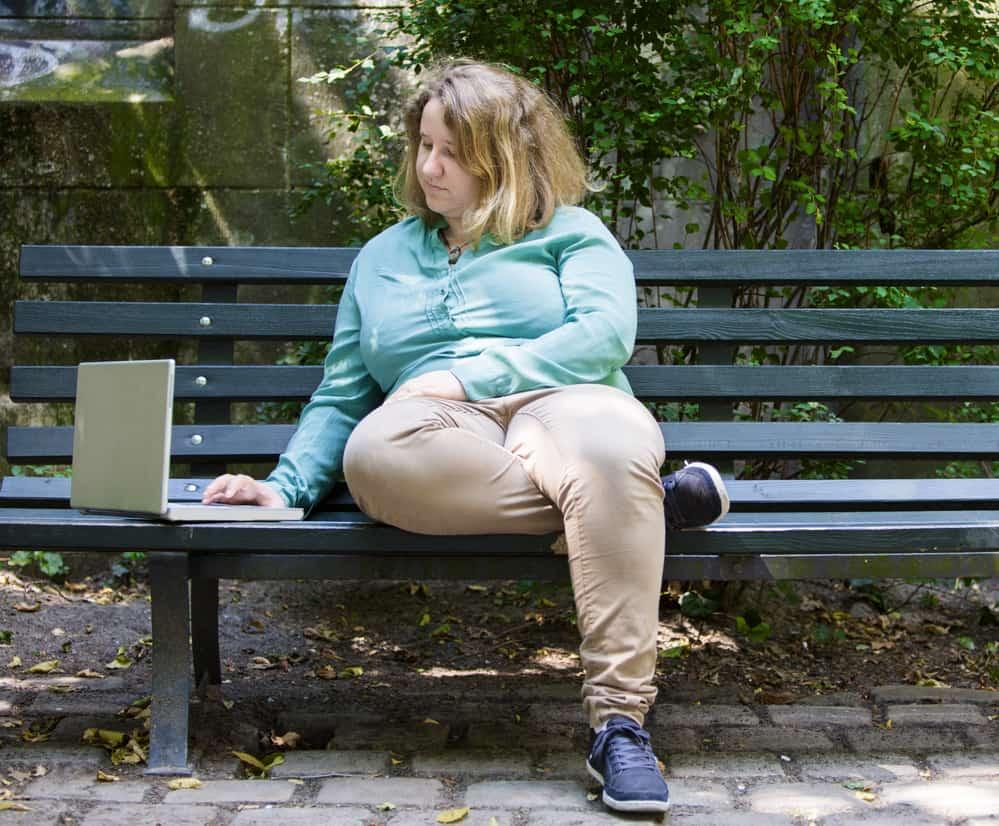 Reasons Overweight Women Should Wear Walking Shoes Only